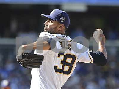 texas-rangers-complete-free-agent-deal-to-acquire-pitcher-tyson-ross