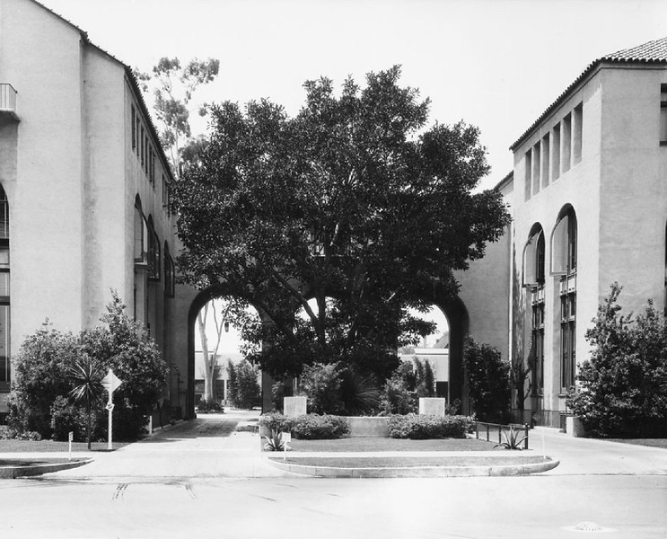 Entrance to the Automobile Club of Southern California building's parking lot, 1923-1940