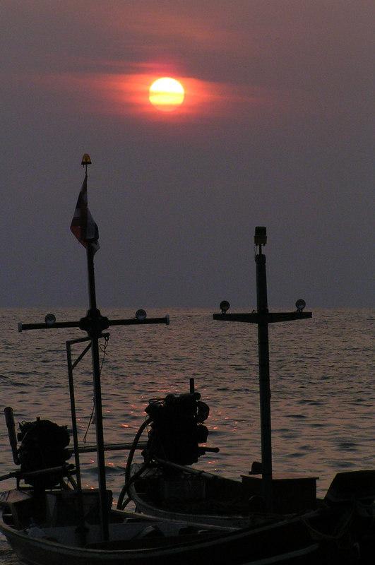 Sunrise at Haad Rin
