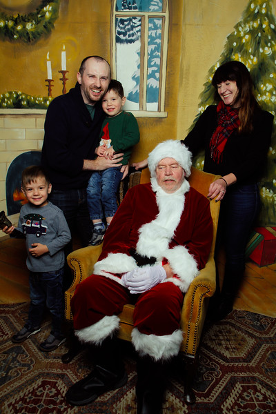 Pictures with Santa Earthbound 12.2.2017-060.jpg