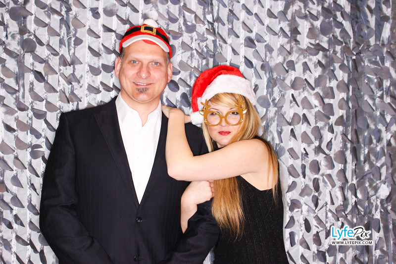 red-hawk-2017-holiday-party-beltsville-maryland-sheraton-photo-booth-0148.jpg