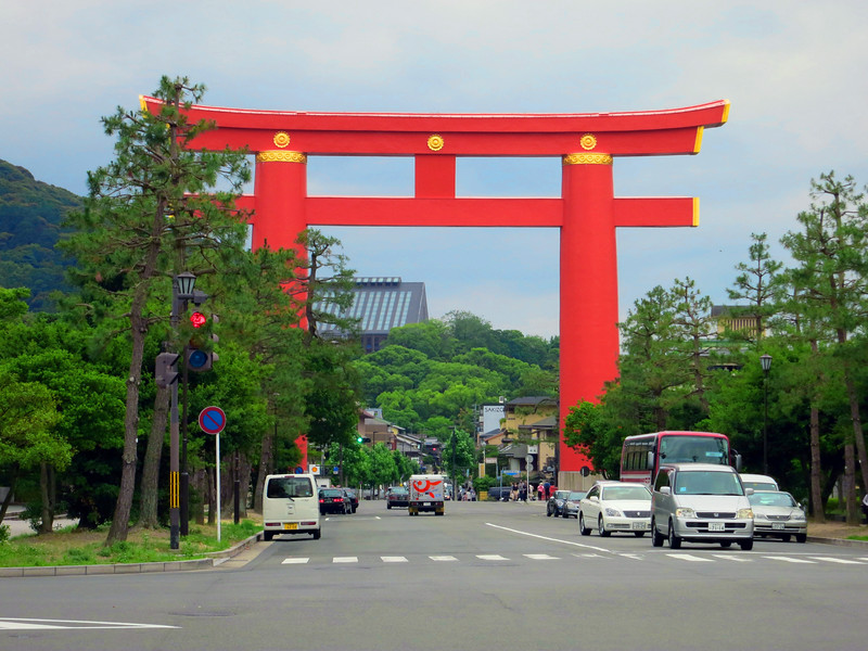 Largest torii (gate) in Japan, Heian Shrine
