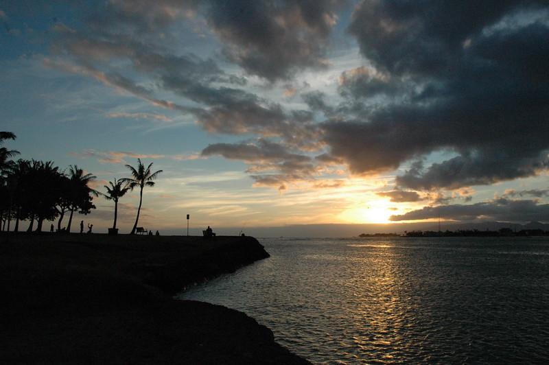 Hawaii - Ala Moana Beach Sunset-47.JPG