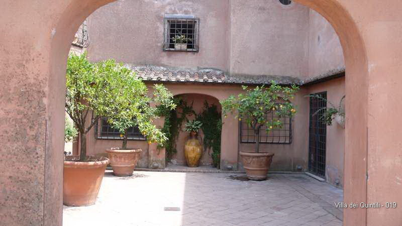 Villa dei Quintili - 019.jpg