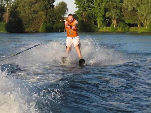 Martin learns to waterski