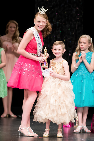 Miss_Iowa_Youth_2016_125111.jpg