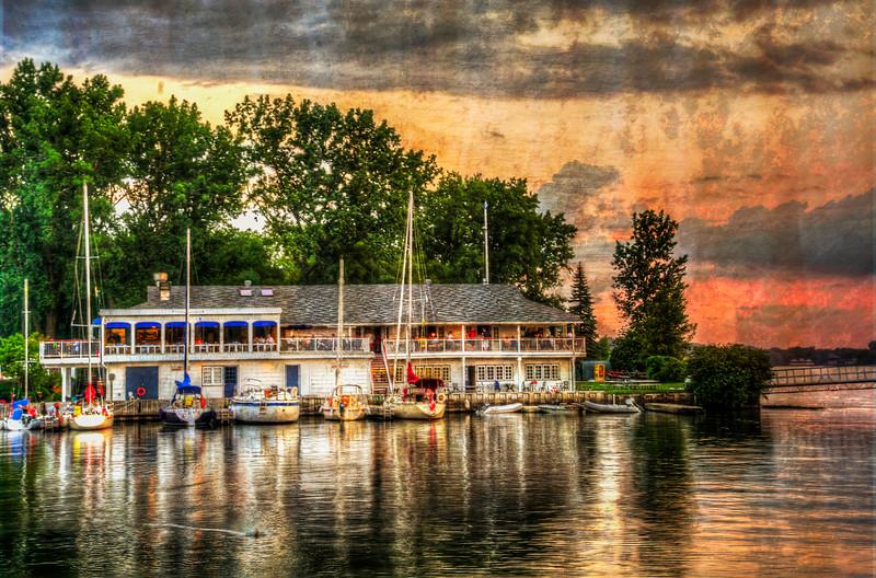 Algonguin Yacht Club, Toronto.jpg