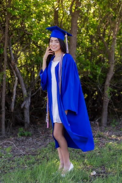 DSR_20210420Hannah Herrera Senior Shoot73-Edit.jpg