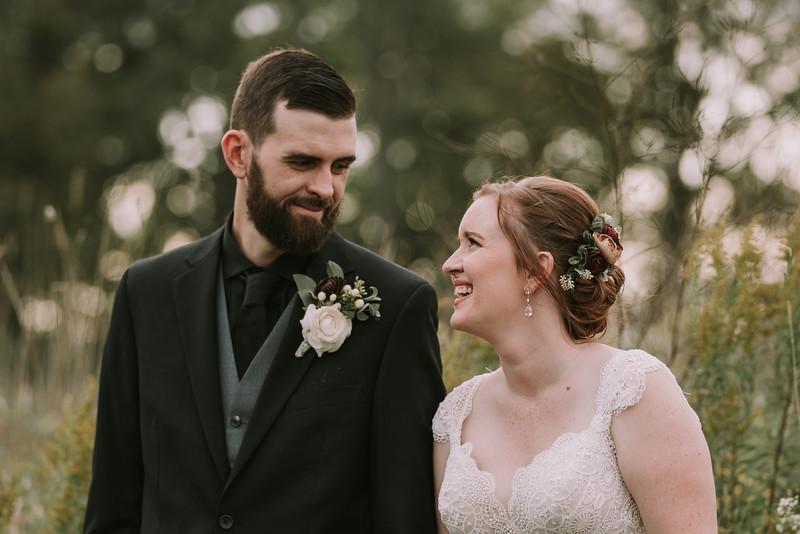 rustic_ohio__fall_barn_wedding-297.jpg