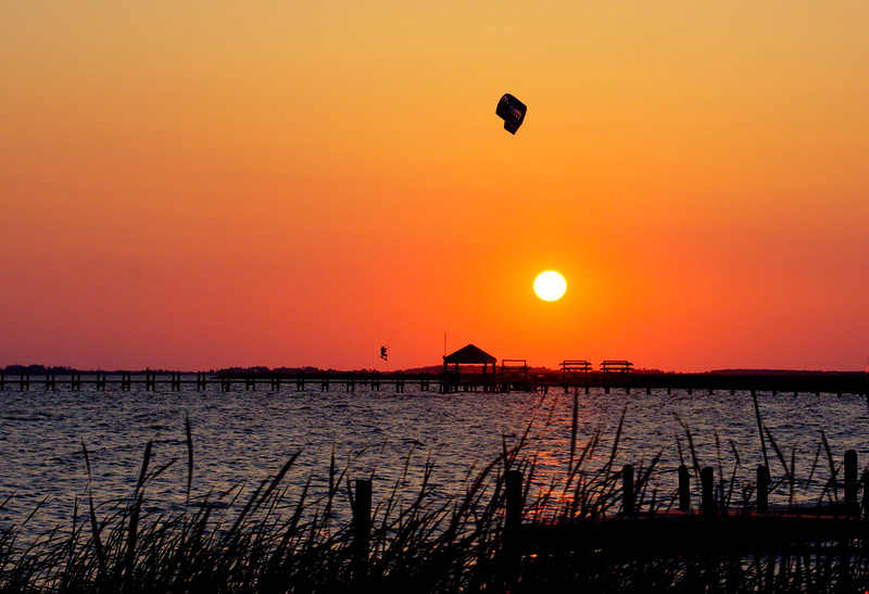 Sunset-Kite-flyer3-Corolla-Beechnut-Photos-rjduff.jpg