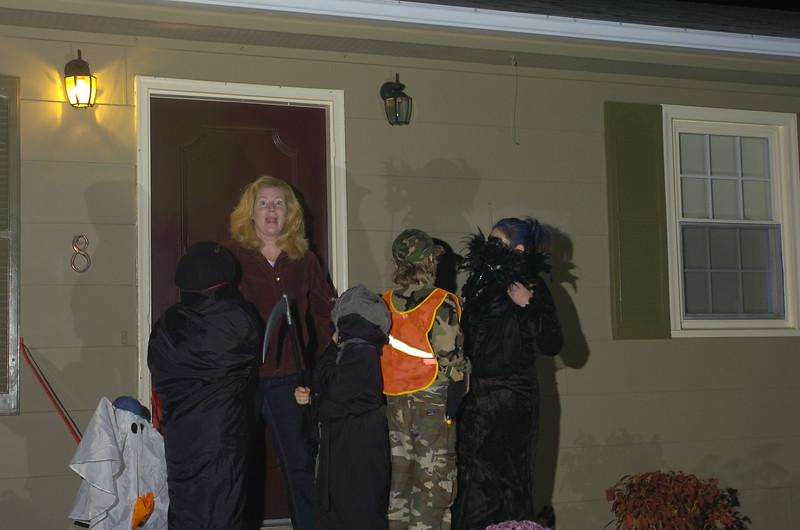 Russ Dillingham photos 10/31/05 family kids boys Halloween costumes 2005 2005 and 2006 photos of family kids boys halloween and pettingill thanksgiving play