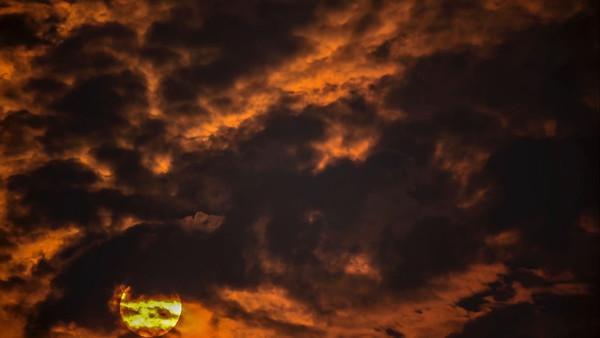 8-26-15 Time Lapse Clouds & Smoke