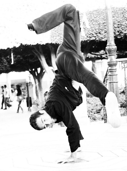 break dancer in the Jardin lr.jpg