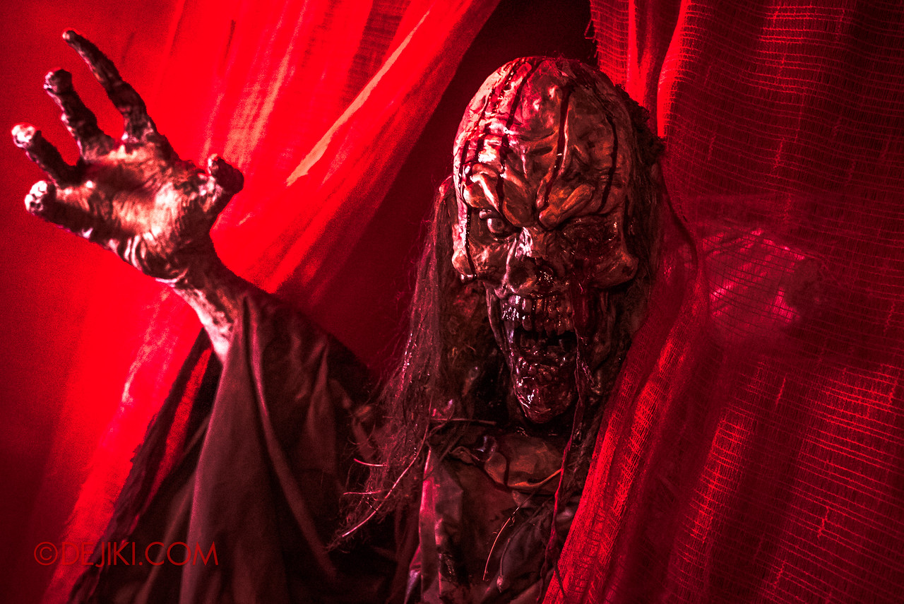 USS HHN8 Pagoda of Peril haunted house – Demon in the Red