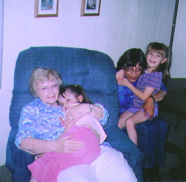 Bonnie,Sarah, Connie,Michelle 7-2005 .jpg