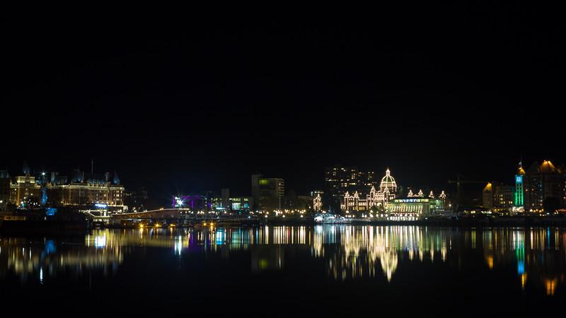 inner harbour at night.jpg