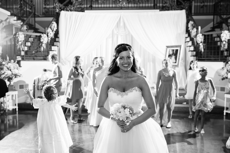 1091_Josh+Lindsey_WeddingBW.jpg