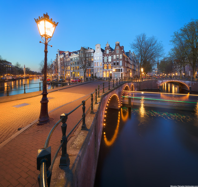 Amsterdam-IMG_6348-Pano-web.jpg