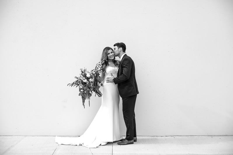Kate&Josh_B&W_ZACH.WATHEN.PHOTOGRAPHER-216.jpg