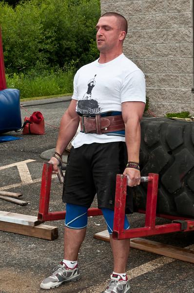 Fitness Revolution Strongman Challenge 2011_ERF3950.jpg