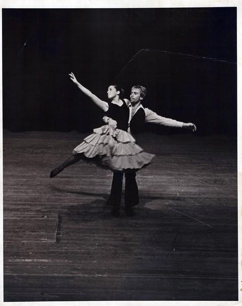 Dance_1035_a.jpg
