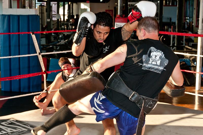Kickboxing Class 7-28-2011_ERF5101.jpg