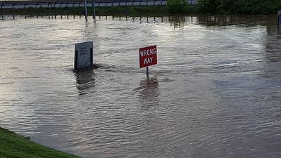 Flood I-44 & 141 Meramec River Overflowing