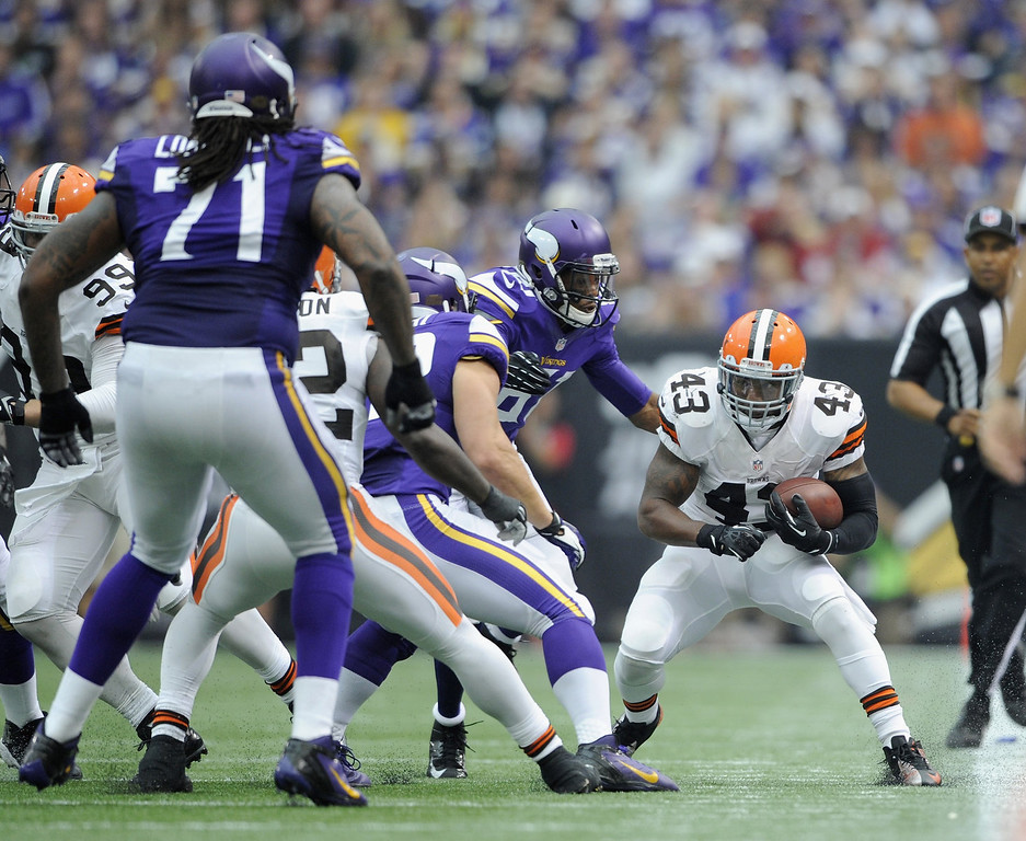 . T.J. Ward #43 of the Cleveland Browns carries the football against the Minnesota Vikings after an interception during the second quarter of the game on September 22, 2013 at Mall of America Field at the Hubert H. Humphrey Metrodome in Minneapolis, Minnesota. (Photo by Hannah Foslien/Getty Images)