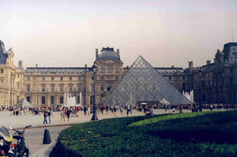 Louvre 2.jpg
