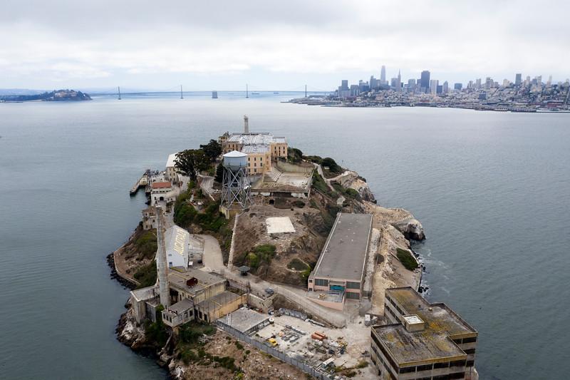 alcatraz lombard quarantine 1384808-11-20.jpg