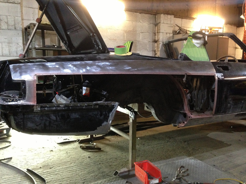 Right hand wing outer panel cut out, and a new section will be welded in. The inner wheel arch section has fully rotted out and as they are no longer available new we will have to fabricate a parts from scratch...