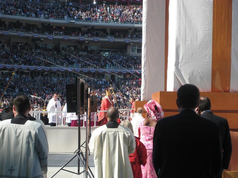 Pope Mass Nats Stadium 4-17-08 064.jpg