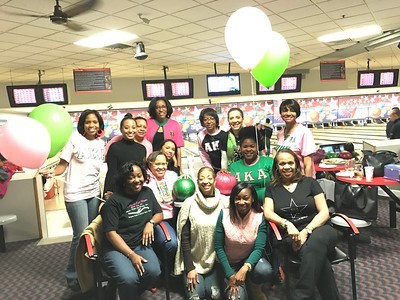 2016-12-03 Pink Pearl/Green Pearl Bowling Night