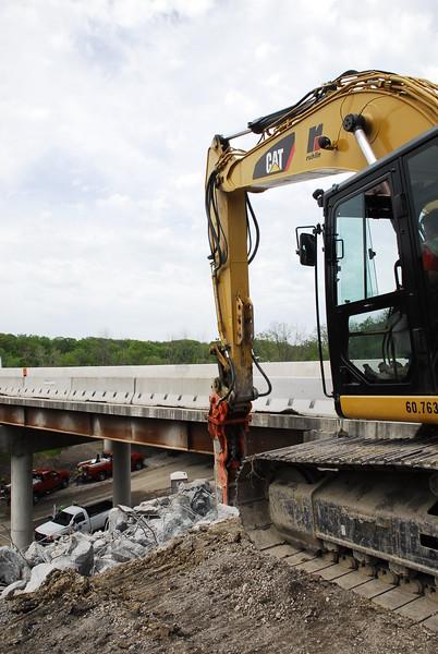 NPK GH12 hydraulic hammer on Cat excavator_bridge demolition (41).JPG