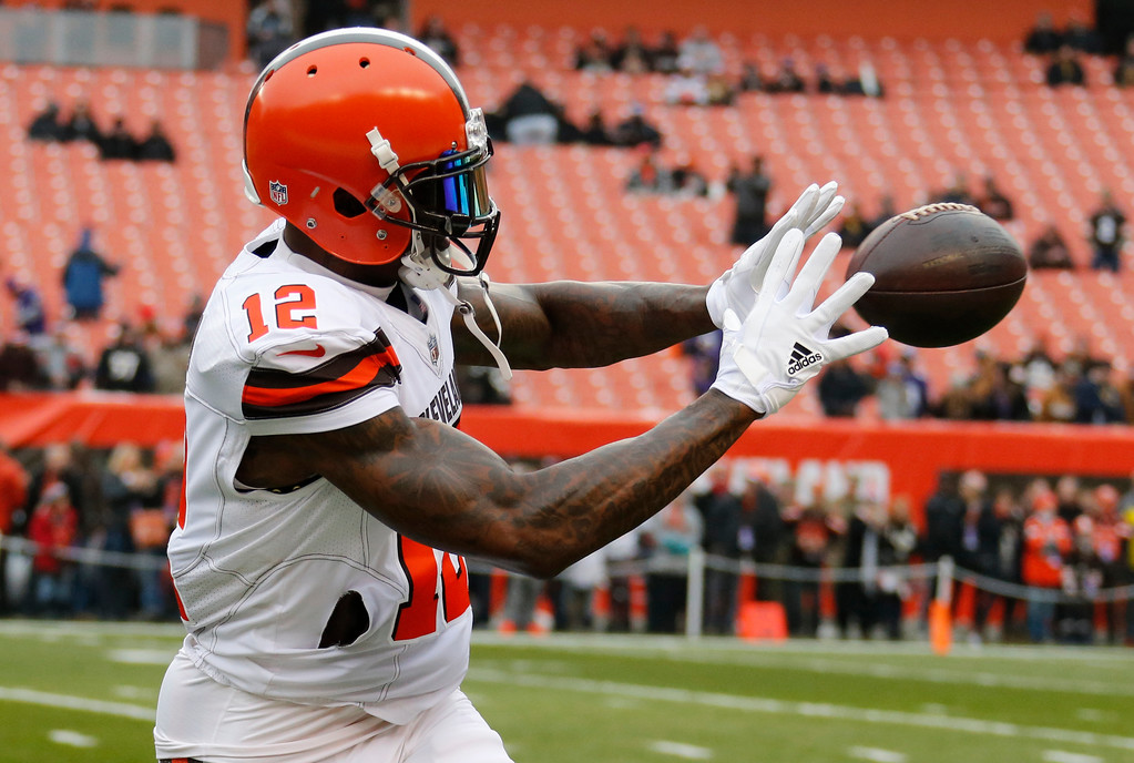 . Cleveland Browns wide receiver Josh Gordon warms up before an NFL football game between the Baltimore Ravens and the Cleveland Browns, Sunday, Dec. 17, 2017, in Cleveland. (AP Photo/Ron Schwane)