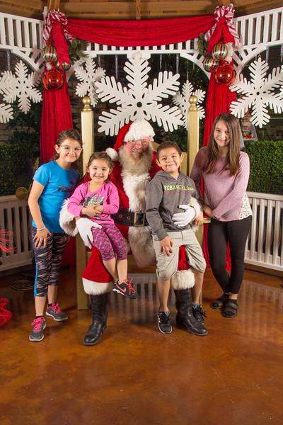 Santa 12-16-17-154.jpg