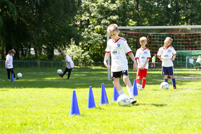 hsv_fussballschule-452_48048037337_o.jpg
