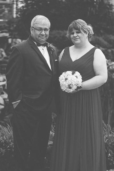 Stephanie&Paul_0090-BW.jpg