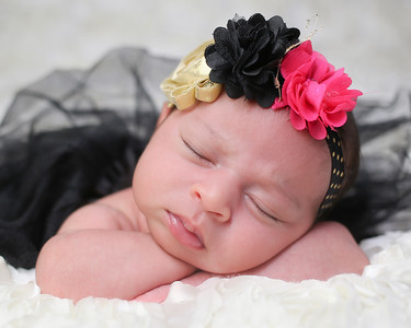 Goyal Newborn Peeks