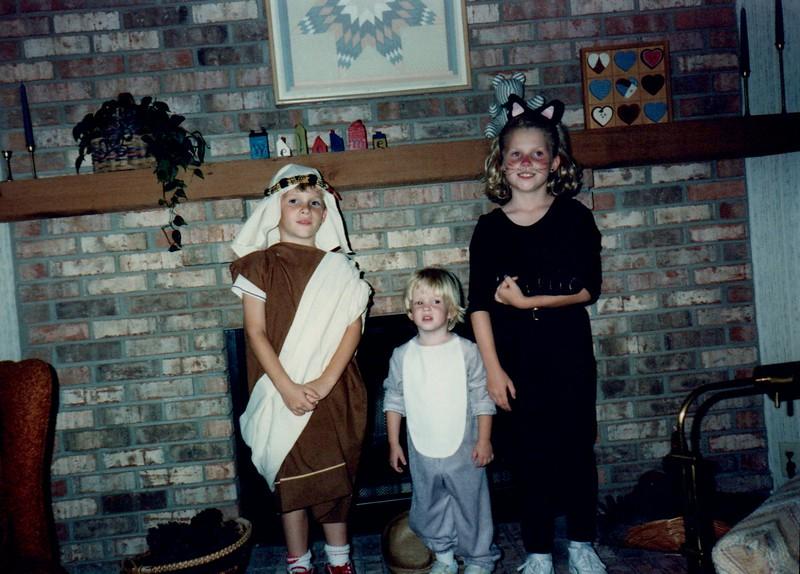 1989_Fall_Halloween Maren Bday Kids antics_0012.jpg