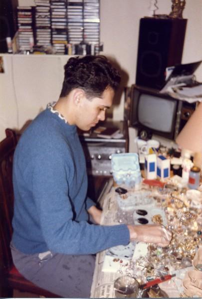1985 JW Making Jewelry268.jpg