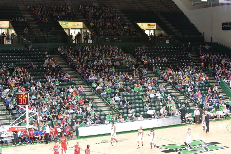 crowd5147.jpg