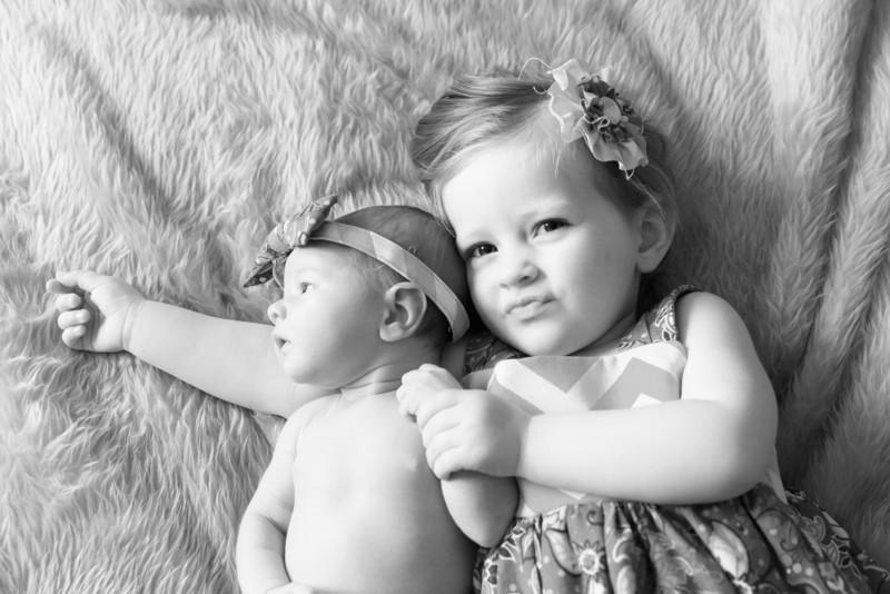 2014.03.30 Whitney Kronforst Newborn Photos B-W 53.jpg