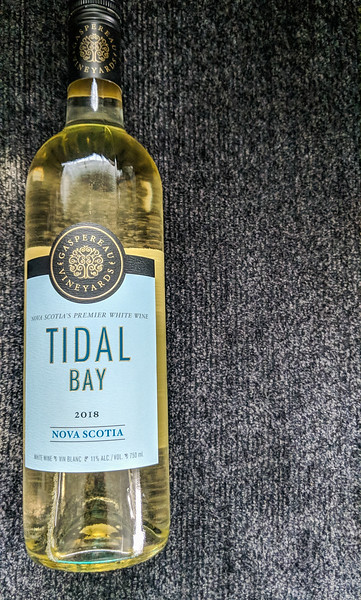 Gaspereau Tidal Bay bottle.jpg