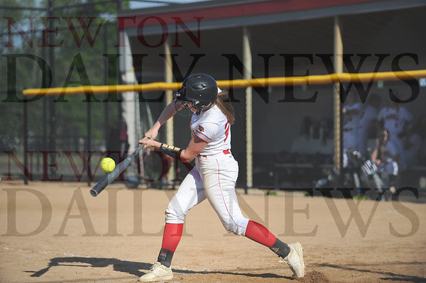 Newton softball vs. Grinnell 6-5-2019