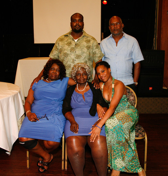 Edouard Family Reunion-3798.jpg