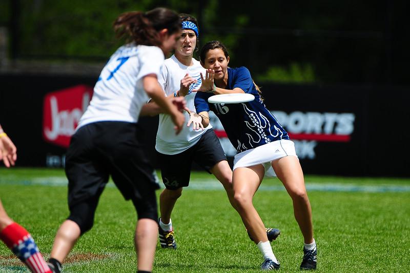 FHI_USAU_2011_Final_Wom_0075.jpg