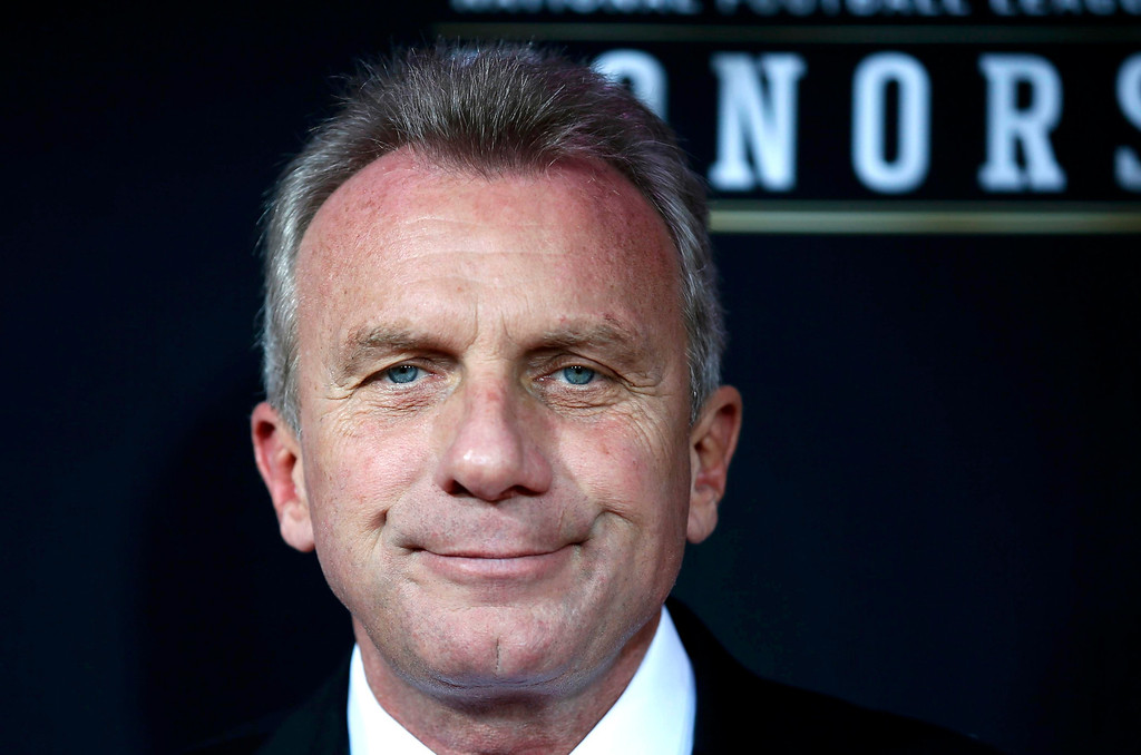 . Former San Francisco 49ers quarterback Joe Montana arrives at the 2nd Annual NFL Honors in New Orleans, Louisiana, February 2, 2013. The San Francisco 49ers will meet the Baltimore Ravens in the NFL Super Bowl XLVII football game February 3.  REUTERS/Lucy Nicholson