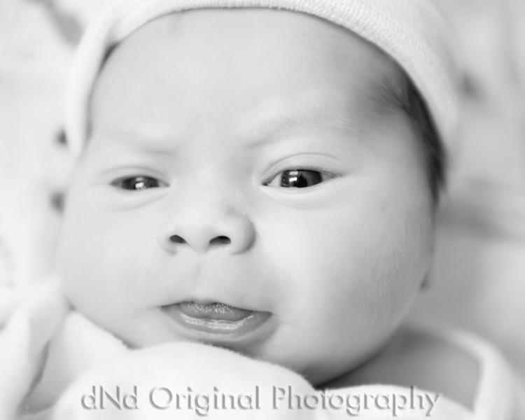 28 Kaelan Newborn (10x8) b&w.jpg