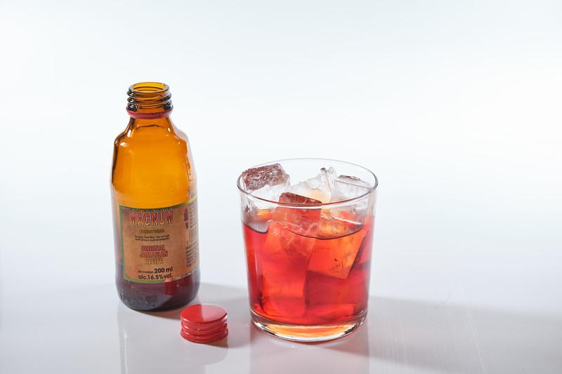 Magnum - ice open bottle.jpg